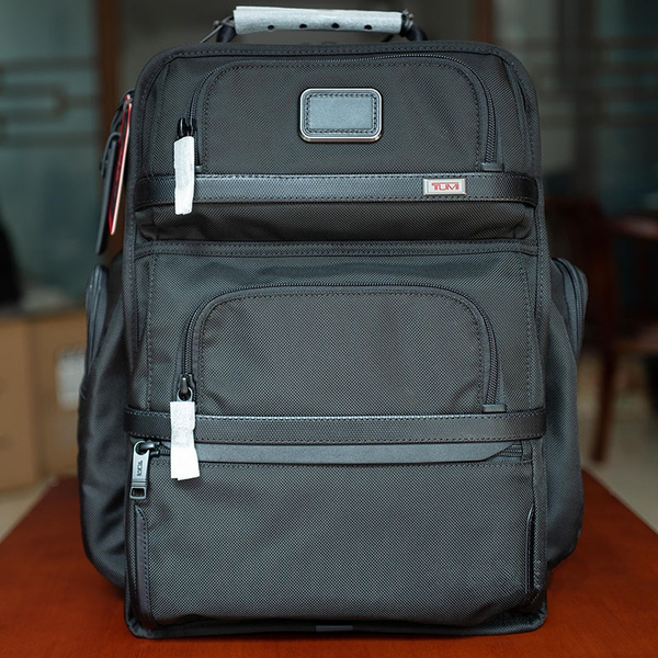 Men and Women 15 Inch Alpha 3 Brief Pack Backpack