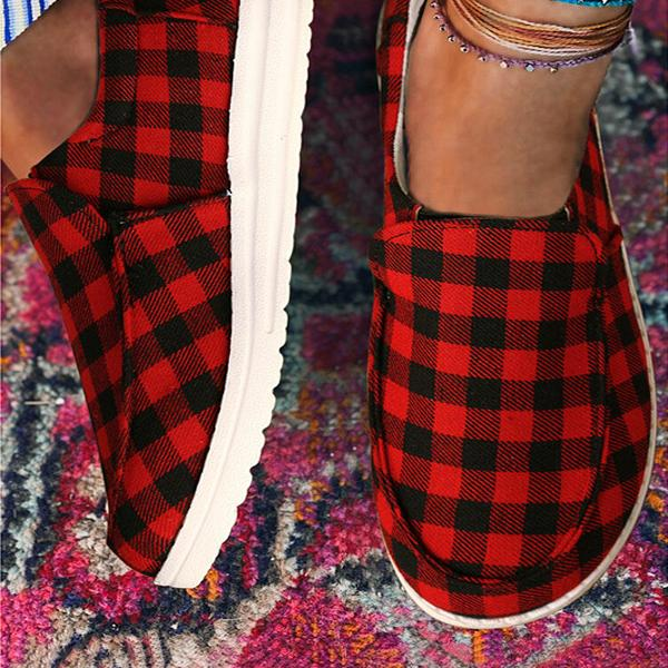 Bonnieshoes Plaid Lace Up Round Toe Flat Sneakers