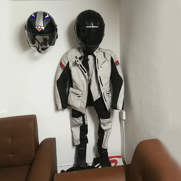 New Year Sale 50% OFF🎁HELMET WALL MOUNT (BUY 2 FREE SHIPPING)