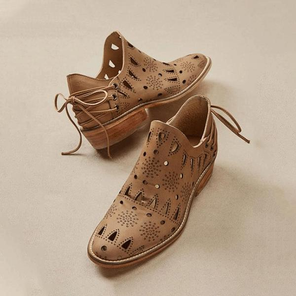 Bonnieshoes Vintage Chic Western Hollow Boots