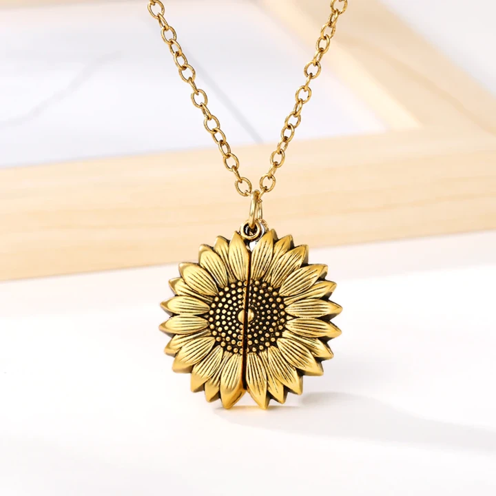 🌻You Are My Sunshine Sunflower Necklace