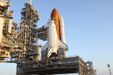 Space Shuttle Endeavour in 1:144 Scale