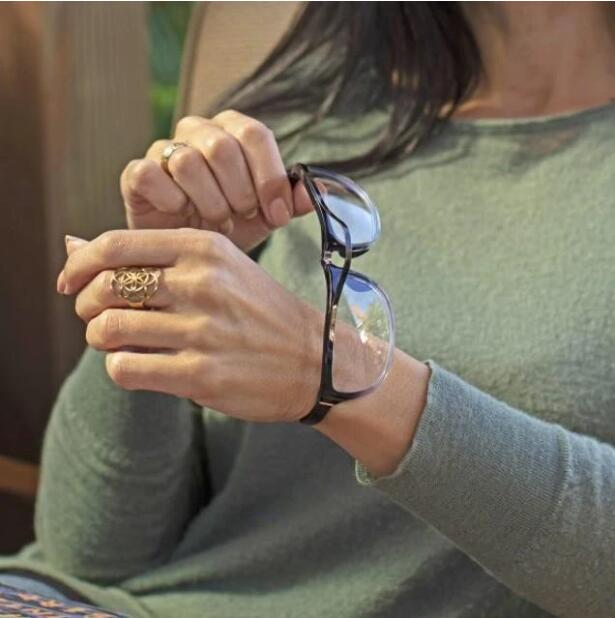 NEW FOLDABLE WRISTBAND READING GLASSES