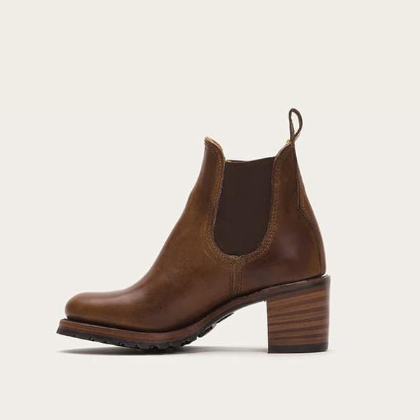 Faddishshoes Chunky Cleated Heel Chelsea Boots