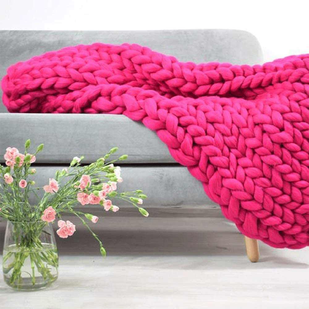 HERIN Handmade Chunky Knit Blanket ( Rose Red)