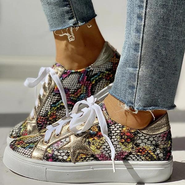 Zoeyootd Lace-Up Star Pattern Casual Sneakers