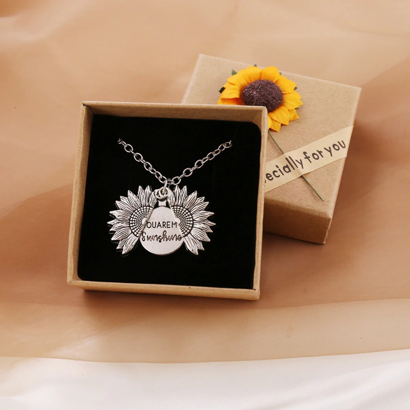 🌻𝗬𝗼𝘂 𝗔𝗿𝗲 𝗠𝘆 𝗦𝘂𝗻𝘀𝗵𝗶𝗻𝗲☀️-Sunflower Necklace