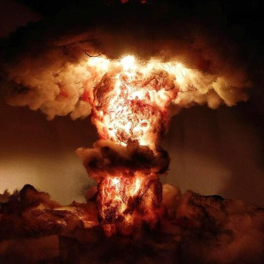 Nuclear Explosion Mushroom Cloud Model Lamp