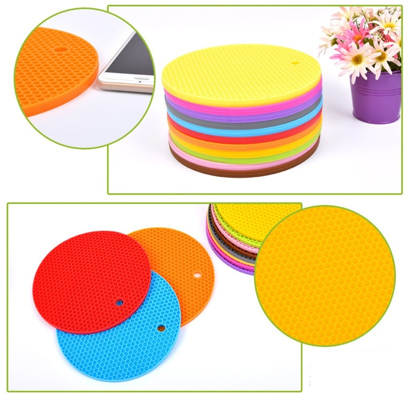 2pcs Kitchen Gadget Durable Silicone Round Non-slip Heat Resistant Mat Cushion Placemat Pot Holder