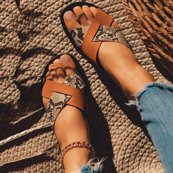 Zoeyootd Casual Overlapping Slippers
