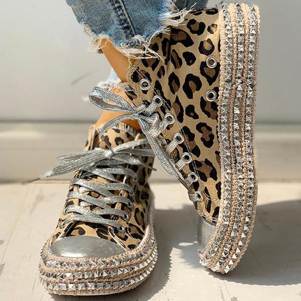 Mokoshoes Fashion Leopard Rivet Embellished Lace-Up Sneakers
