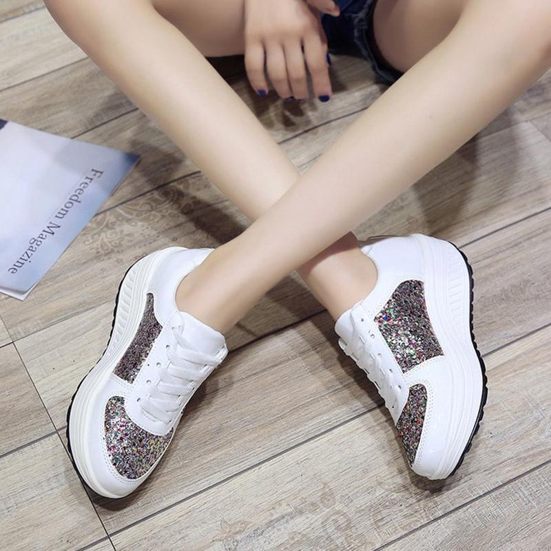 Sequined casual shoes