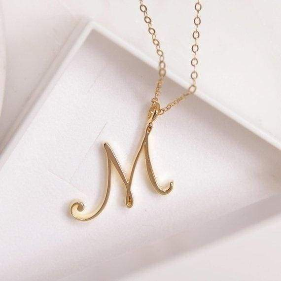 26 Letter Name Necklace Alphabet Initial Necklace Cursive Letter Necklace Gold Silver Personalized Bridesmaid Gift Wedding Minimalist Bridal Party Mothers Day Gifts 1pcs