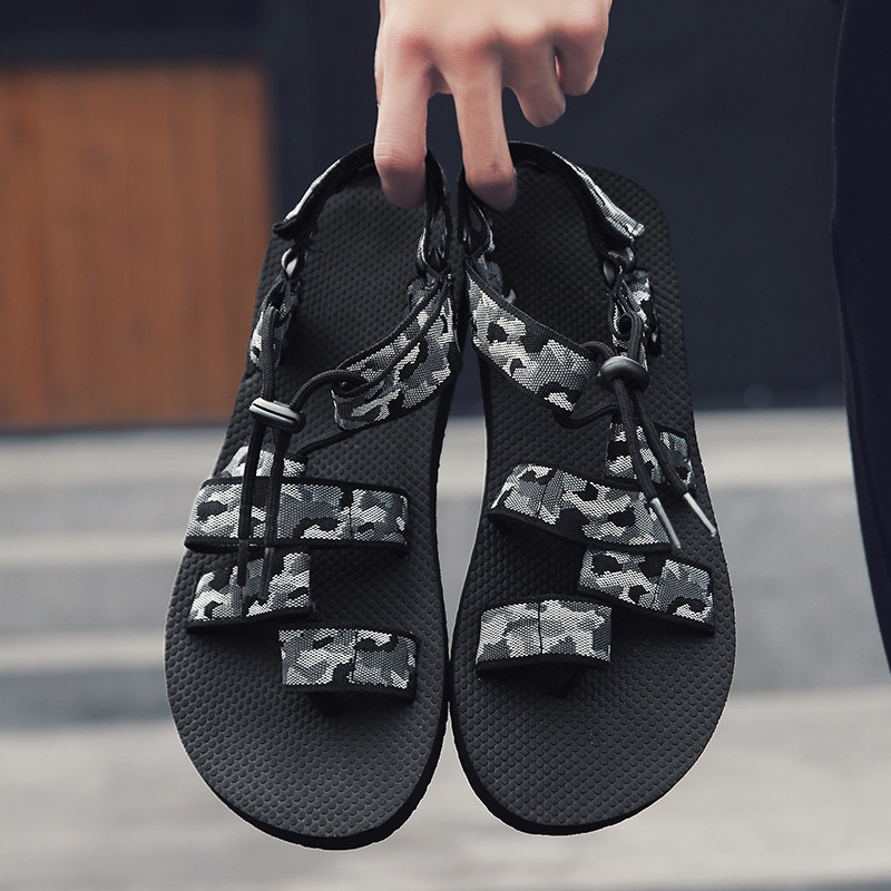 Outdoor beach shoes men's slippers breathable sandals