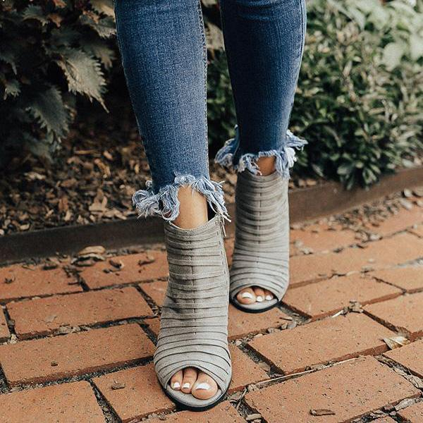 Bonnieshoes Peep Toe Hollow Out Chunky Heel Boots