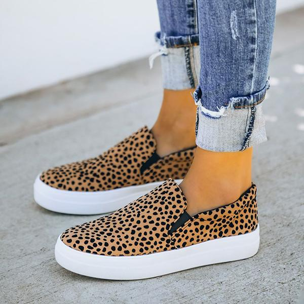 Bonnieshoes Cheetah Slip-On Sneaker