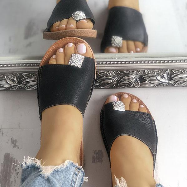 Mokoshoes Shiny Embellished Single Strap Toe Ring Slippers