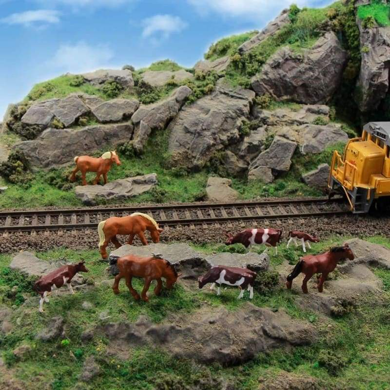 Model Railway 36PCS 1:87 Well Painted Farm Animals HO Scale Cows Horses Figures