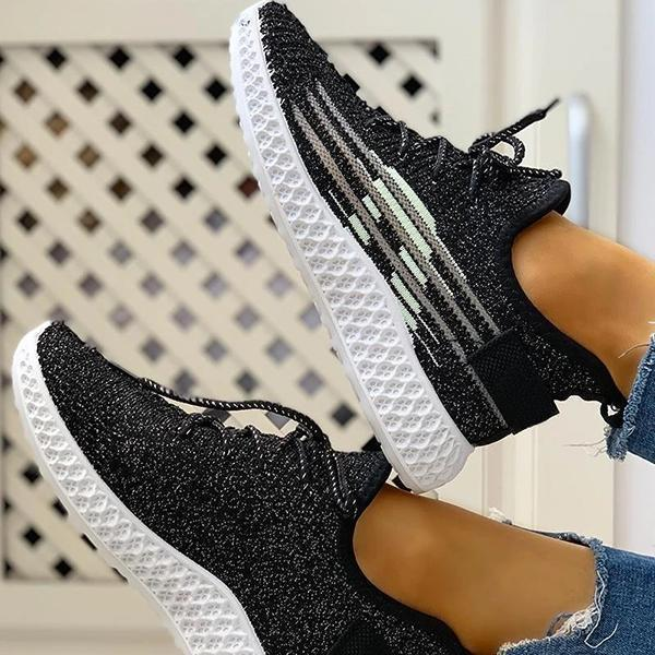 Zoeyootd Casual Colorblock Lace-Up Yeezy Sneakers