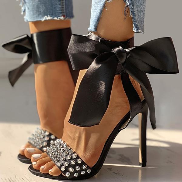 Bonnieshoes Studded Bowknot Design Thin Heels