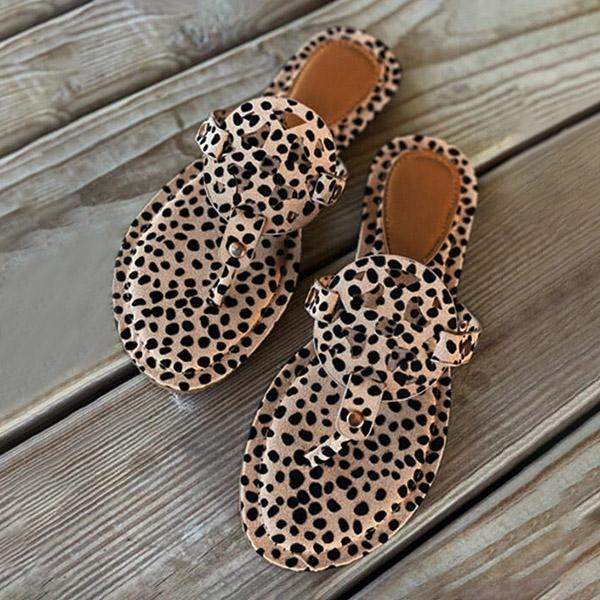 Bonnieshoes Leopard Printed Hollow Out Beach Slippers