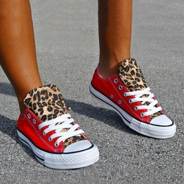 Upawear Lace-Up Canvas Leopard Flat Heel Casual Sneakers
