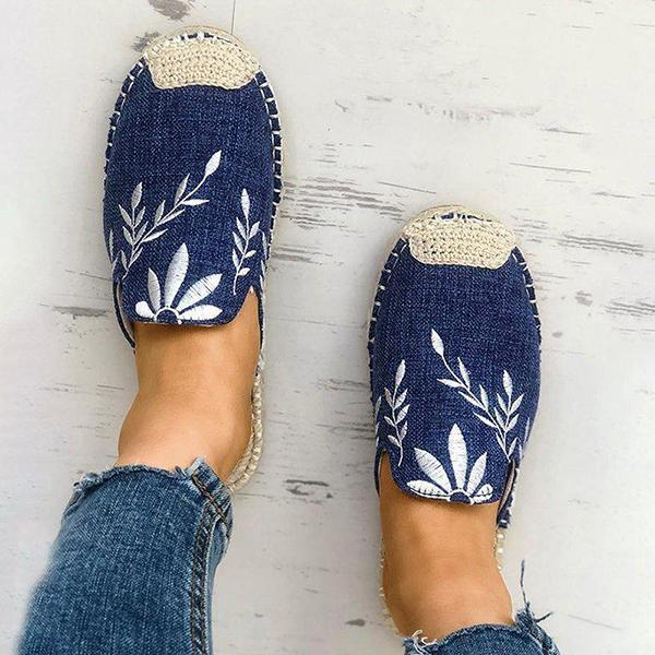 Bonnieshoes Fashion Embroidered Espadrille Flat Slippers