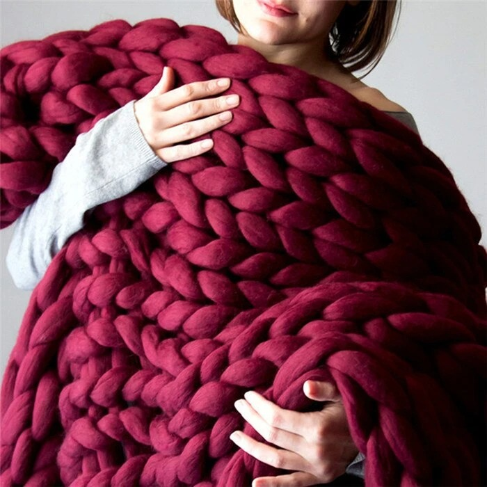 HERIN Handmade Chunky Knit Blanket ( Red Wine)