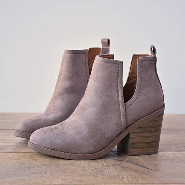 Mokoshoes Ankle Pointed Chunky Boots