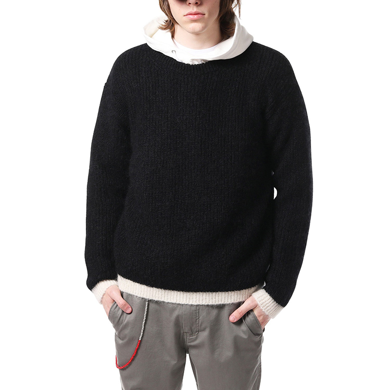 Black and white contrast knitted sweater