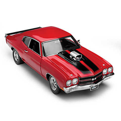 BUY 1 GET 2🚘50th Anniversary 1:18-Scale 1970 Chevelle SS Diecast Car