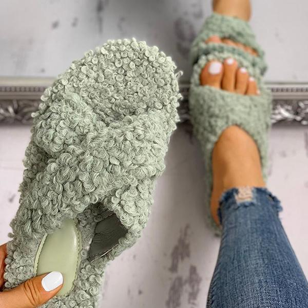 Upawear Solid Fluffy Crisscross Design Flat Slippers