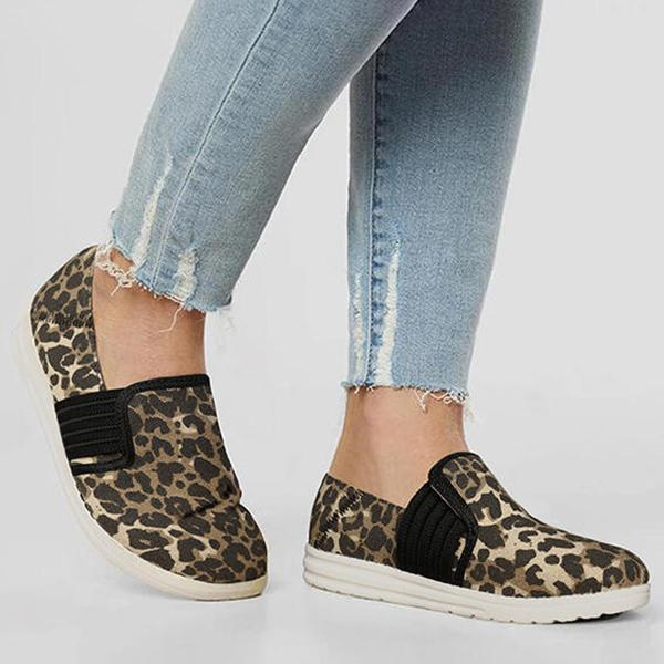 Bonnieshoes Leopard Splicing Slip On Flat Canvas Sneakers