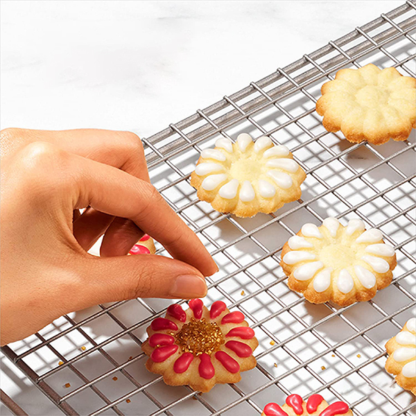 Quick Cookie Pressure Sets With Multiple Decorating